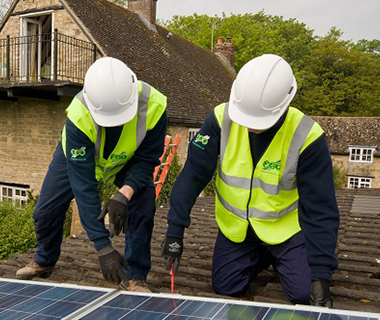 FSG Building site with workers Solar Panels